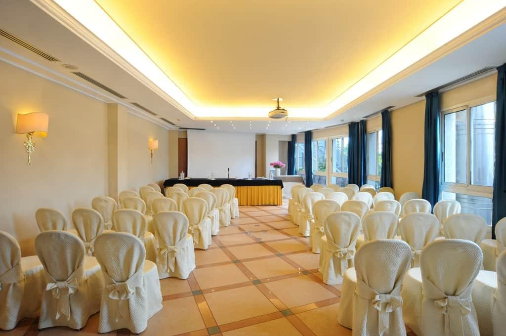 sala-conferenze-panoramic-hotel-plaza-abano-terme