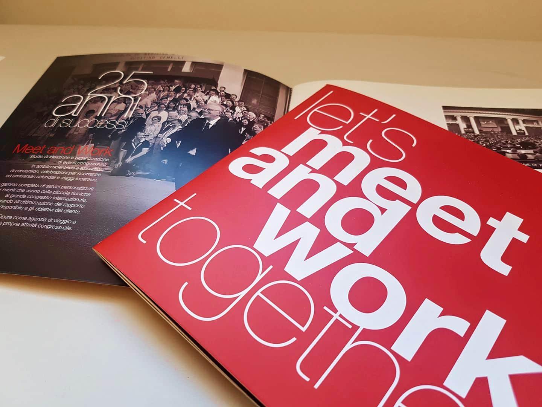 Brochure rosso